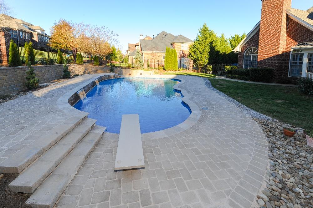 Louisville gunite pools photos gatlinburg for Pool design louisville ky